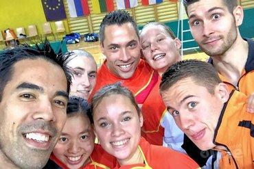 Nationale badmintonteam doet mee aan #teamselfie actie van badmintonline.nl