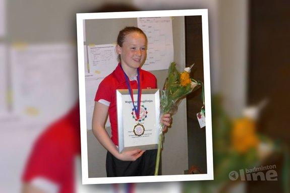 Kelly van Buiten ontvangt kinderlintje in Wageningen - Sylvie Beekman