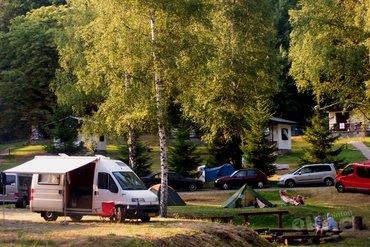 Badmintonnen op de camping: eerste clinic bij Roompot Bospark de Schaapskooi