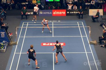 NK Badminton 2016: Jacco Arends en Selena Piek tegen Robin Tabeling en Samantha Barning