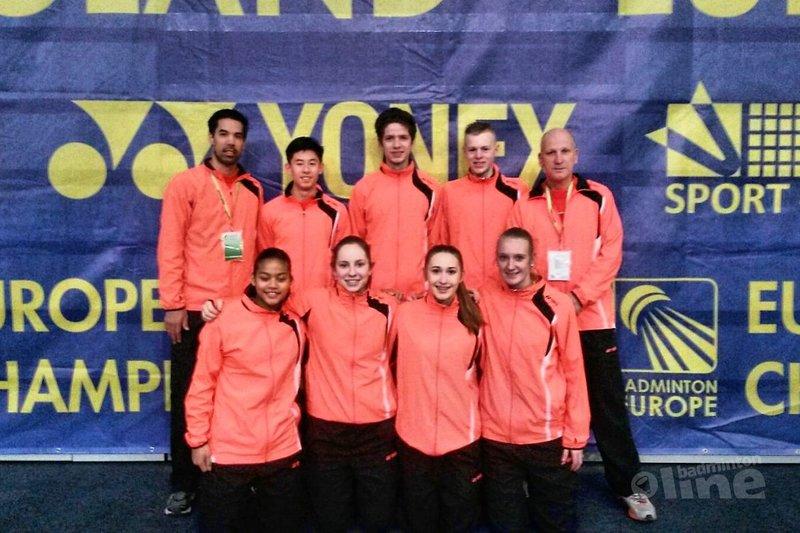 Nederland vechtend ten onder tegen Zweden - Badminton Nederland