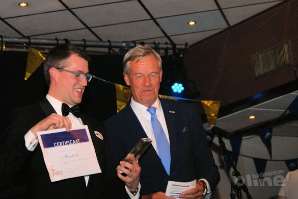 Winterwijkse club krijgt erepenning van Badminton Nederland - 't Pluumke