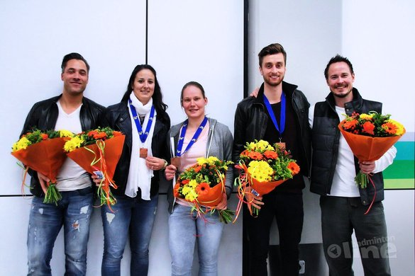 Bondscoach Rune Massing en topdubbelaar Samantha Barning delen wasmachine? - Badminton Nederland
