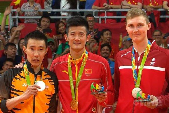 Goud voor badmintonner Chen Long in Olympische finale tegen Lee Chong Wei - NOS