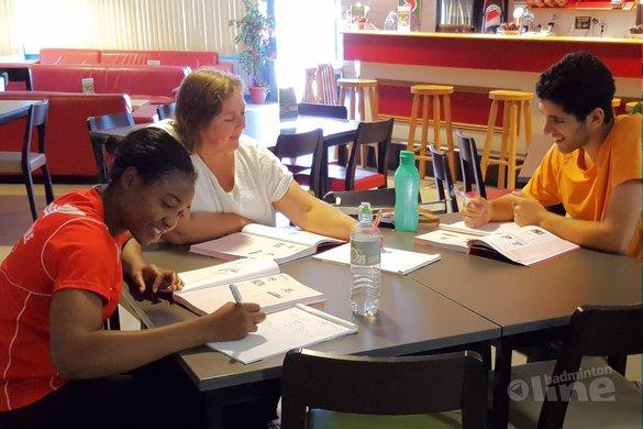Grace Gabriël en Aram Mahmoud leren Nederlands in Almere - BV Almere