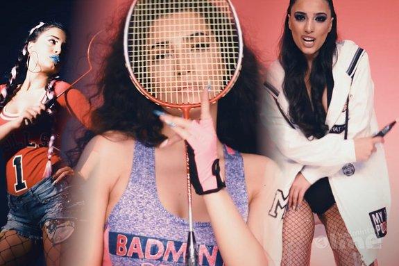 Deze afbeelding hoort bij 'Azerbeidzjaanse Samra Rahimli zingt liedje over badminton. Echt waar.' en is gemaakt door Samra Rahimli