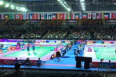 Jacco Arends en Selena Piek door naar tweede ronde WK Badminton 2017 in Glasgow