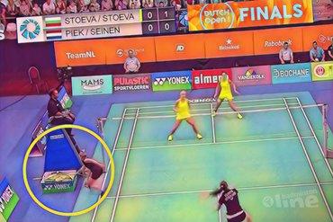 Spectaculaire dubbele racketwissel met Selena Piek tijdens vrouwendubbelfinale Yonex Dutch Open 2018