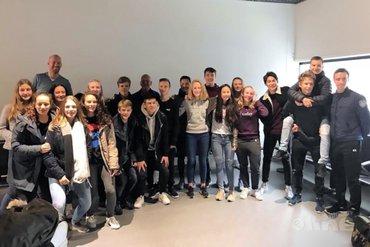 Grote groep jeugdbadmintonners naar Finland
