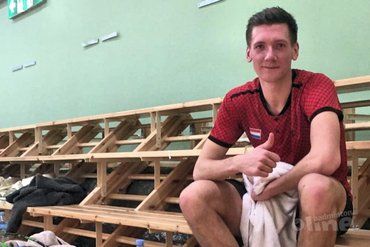 Doneer 100 euro voor een officieel wedstrijdshirt van badmintonner Joran Kweekel