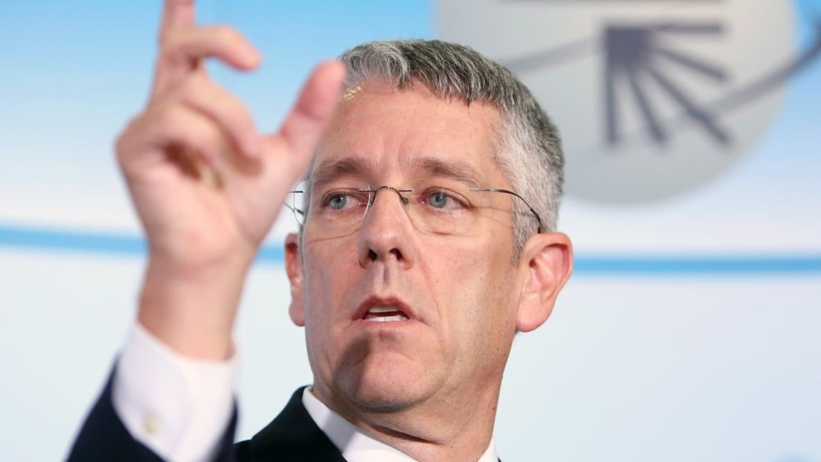 CRTC head scolds TV executives, calls them yacht-owning 'complainers'