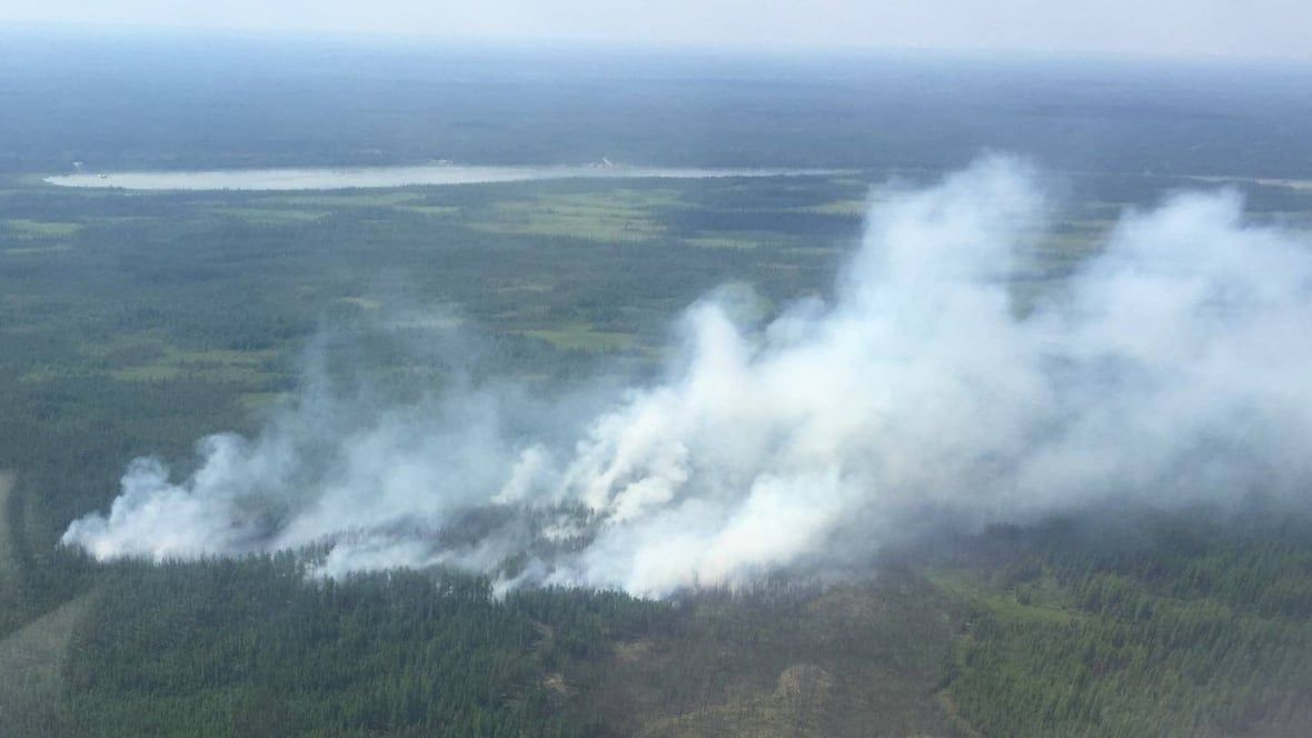 N.W.T. community prepares for evacuation due to Alberta forest fire