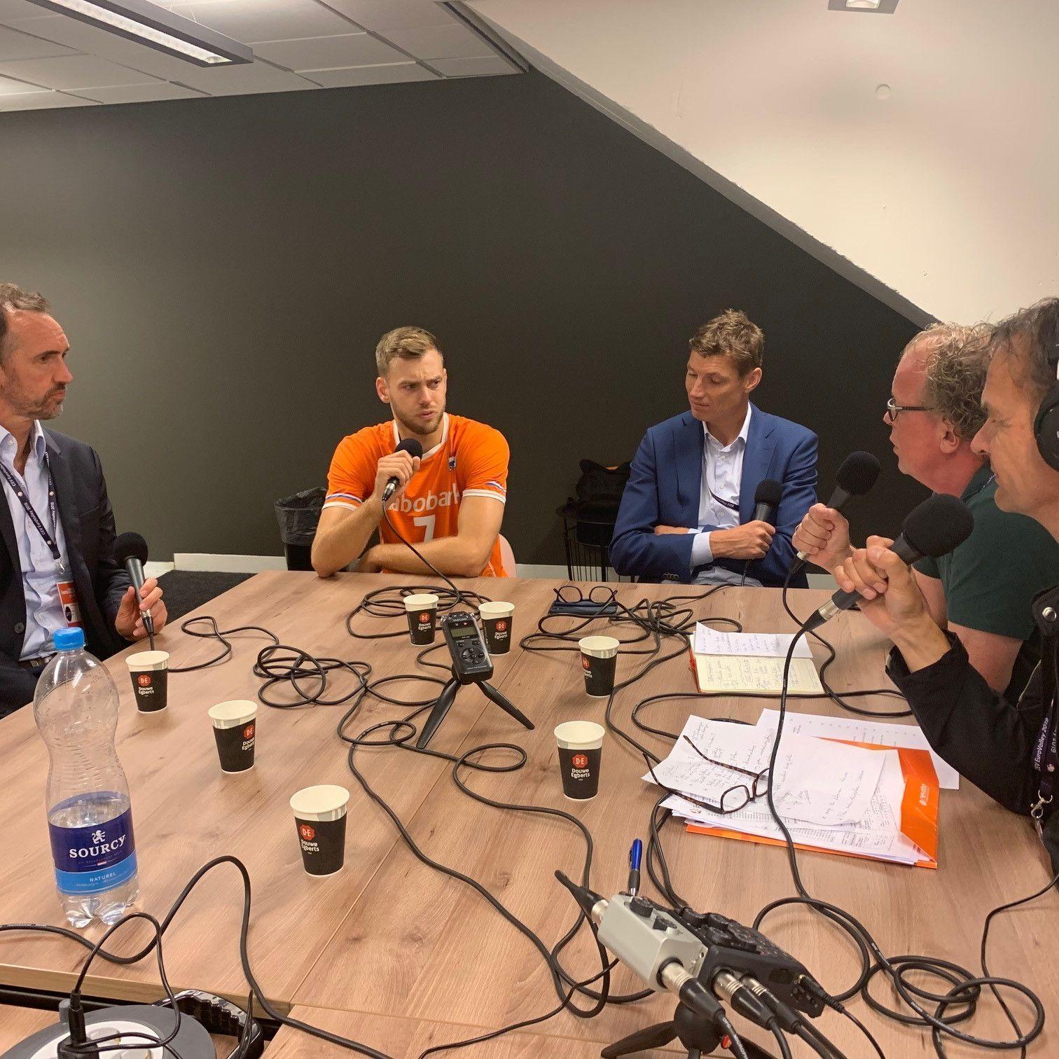 """EK-podcast dag 1: """"Hier staat een echt team"""""""