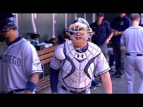 [MLB] 怒極扔帽,竟然砸中了隊友的頭!