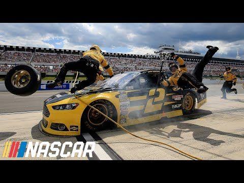 [NASCAR] 驚險意外,Brad Keselowski收制不及,撞向維修站的工作人員!