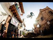 Urban Downhill 2014,車手帶你穿梭墨西哥 Taxco 城中