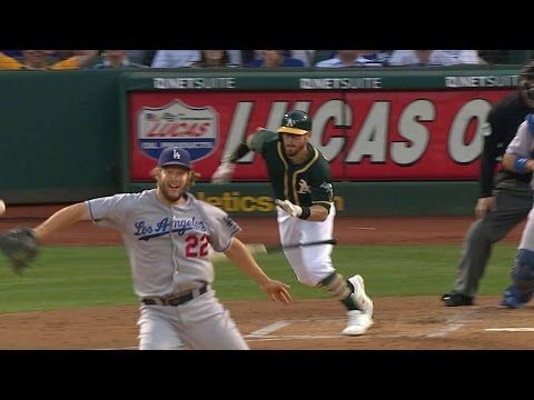 [MLB] Dodgers投手超帥的後手接球!