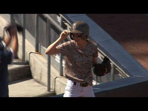 [MLB] San Diego Padres女球僮神接,有人會簽下她嗎?XD