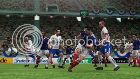 Pro Evolution Soccer 2011 (2010/DE/FR/PSP)
