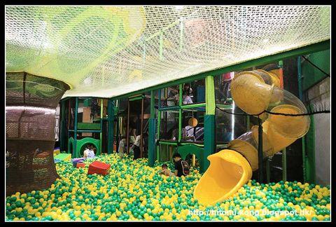 九千尺室內兒童遊樂場、超大波波池、攀爬、跳彈床、編織繩網等等 - Wellcome Paradise...