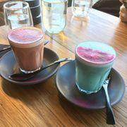 【澳洲。墨爾本】藍色,粉紅色的LATTE?
