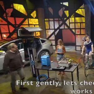 Финландци опитаха да заредят Tesla с... велосипеди