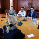 Нинова на среща с АЕЖ-България: Свидетели сме на груба цензура от ГЕРБ