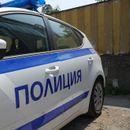 Двама полицаи снабдявали с патрулката дилъри на дрога