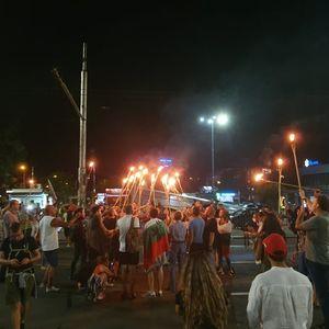 Факелно шествие по Цариградско шосе в 32-рия ден на протеста