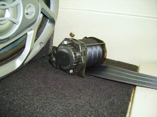 [Image: seatbelt5.jpg]