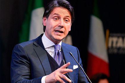 Итальянские популисты выбрали в премьеры никому не известного мужчину