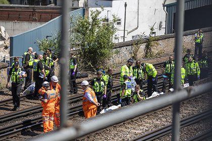 Поезд насмерть сбил рисовавших граффити у рельсов 20-летних художников