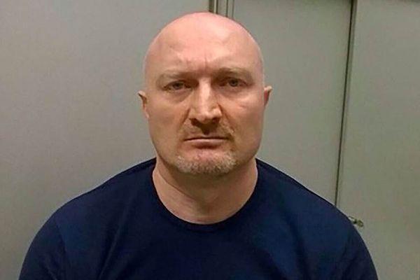 Обвиняемый в 60 убийствах лидер банды киллеров Джако вылетел в Москву