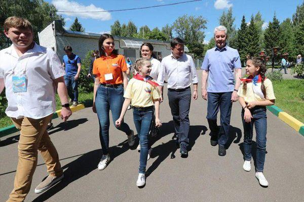 Воробьев и Собянин сыграли в футбол