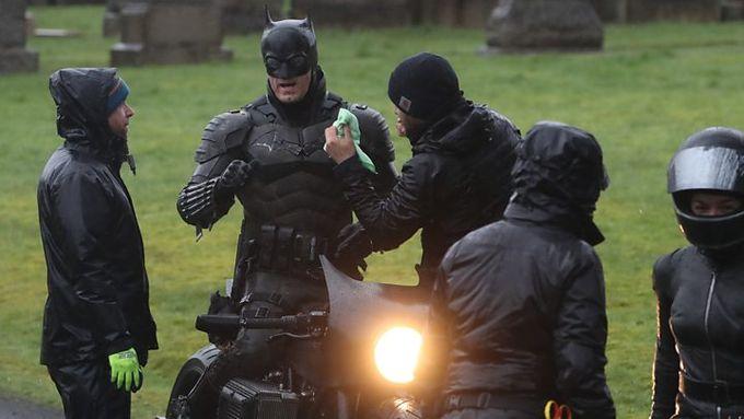 片場照曝光   新版蝙蝠俠完整造型出鏡