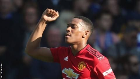 Martial's Man Utd form earns him earns France recallの代表サムネイル