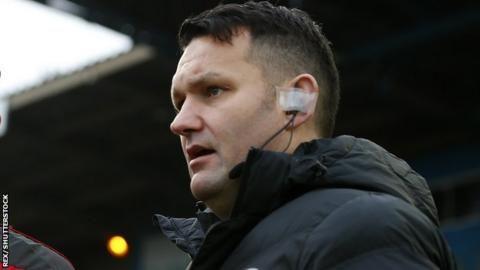 Referee David McNamara suspended for 'rock, paper, scissors'の代表サムネイル