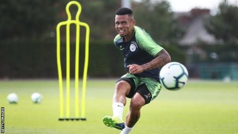Gabriel Jesus: Manchester City striker signs contract extension until 2023の代表サムネイル