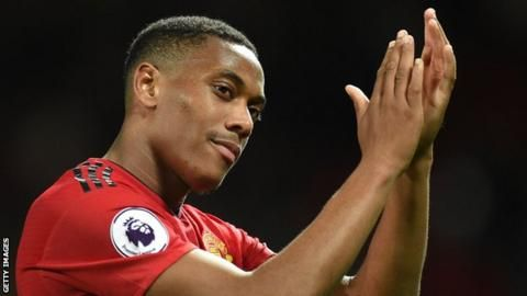 Mourinho wants striker Martial to stay at Man Utdの代表サムネイル