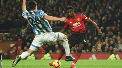 Manchester United 3-1 Huddersfield Town: Paul Pogba double helps Ole Gunnar Solskjaer to first home win as managerの代表サムネイル