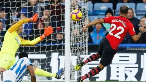 Huddersfield 1-3 Southampton: Saints win second consecutive gameの代表サムネイル