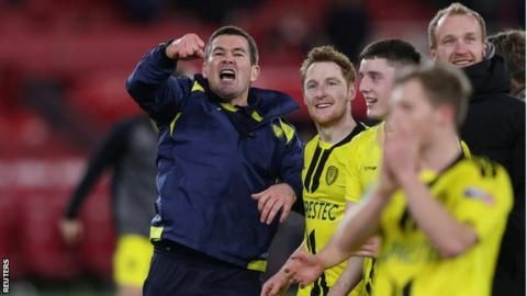 Carabao Cup semi-finals: Manchester City face Burton, Tottenham draw Chelseaの代表サムネイル