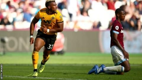 Wolves pile misery on pointless West Ham with injury-time goalの代表サムネイル