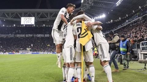 Juventus 1-0 Valencia: Mandzukic scores goal as Juventus progressの代表サムネイル