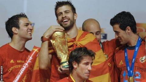 Spain's Pique confirms international retirementの代表サムネイル
