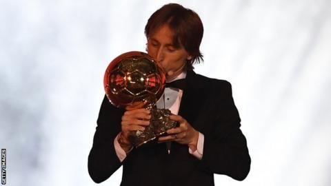 Ballon d'Or: Luka Modric ends dominance of Lionel Messi and Cristiano Ronaldoの代表サムネイル