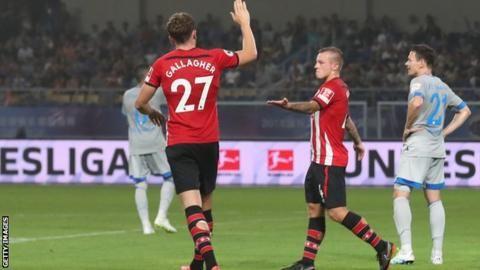 Jordy Clasie: Southampton midfielder rejoins Feyenoord on loanの代表サムネイル