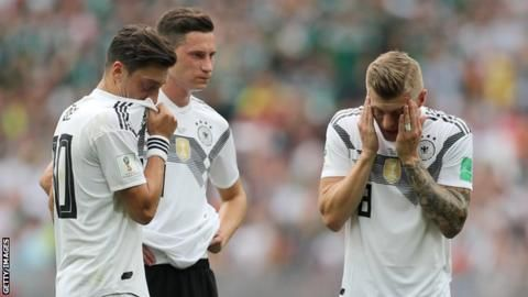 Mesut Ozil racism claims 'nonsense', says ex-Germany team-mate Toni Kroosの代表サムネイル