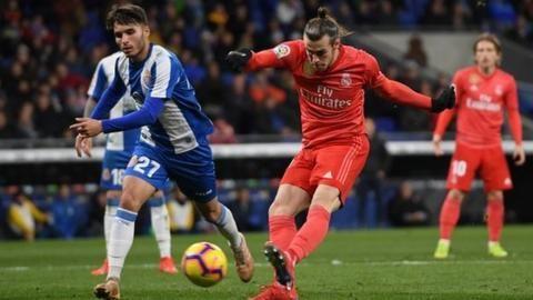 Espanyol 2-4 Real Madrid: Bale scores on injury returnの代表サムネイル
