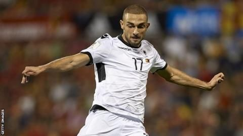 Eros Grezda: Rangers sign winger from Osijek on four-year dealの代表サムネイル